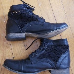 VTG Style Blk Lace Peekaboo Wanted Ankle Boots!